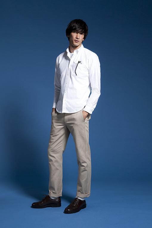 """メンズファッションの大黒柱、""""白シャツコーデ""""決定版:これからの季節には白シャツで爽やかに飾れ 22番目の画像"""