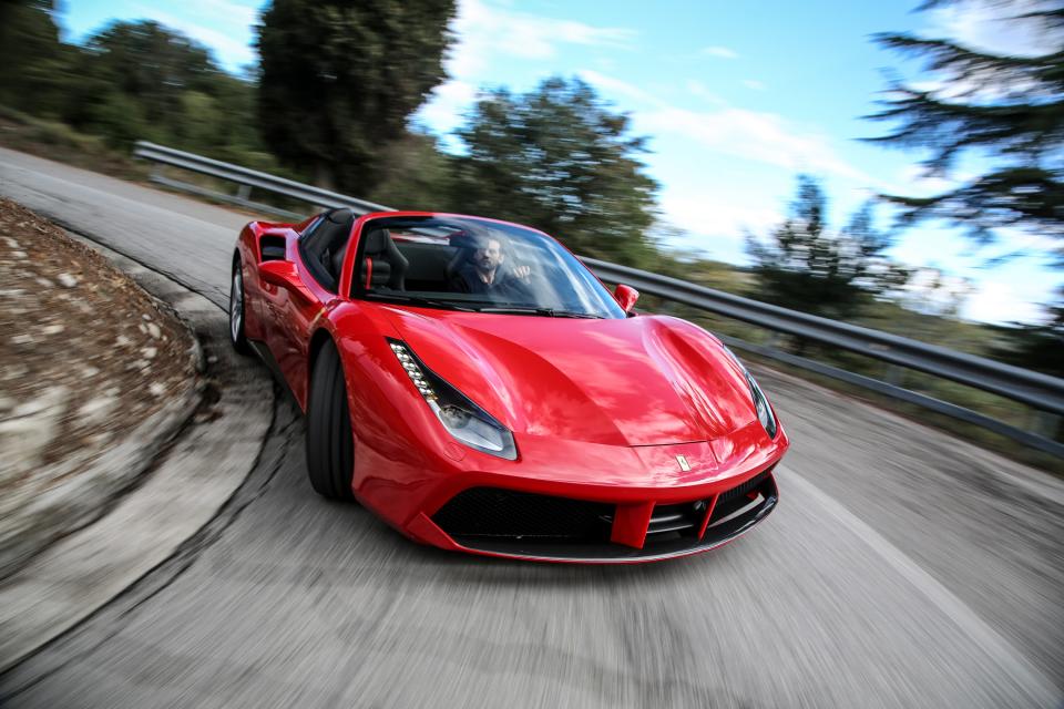 男子の憧れ! 5台の刺激的な外車「スポーツカー」:乗らずとも眺めるだけで得られる高揚を体感せよ 2番目の画像