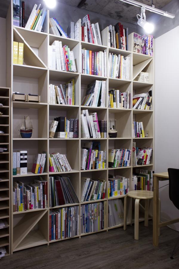 木製シェルフはただの収納ではない。大人の空間を演出してくれる木製シェルフの魅力に迫る!  4番目の画像