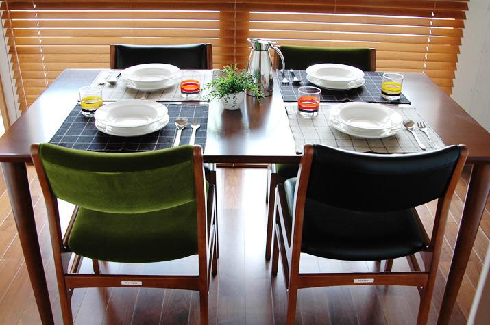 """ダイニングテーブルは""""洗練されたおしゃれな部屋""""への第一歩! 4つのメーカーが生み出す独自の空間 2番目の画像"""