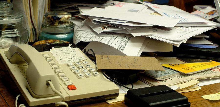仕事がはかどる「デスク整理術」:できる男のデスクは、自分だけのオフィスビルだと思え。 2番目の画像