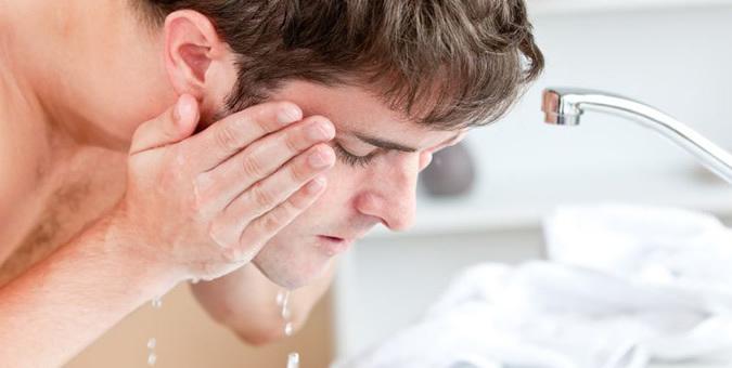 """""""洗顔""""はビジネスマンの新たな嗜みへ。人気の洗顔フォームはどれだ? トップ5をご紹介! 1番目の画像"""