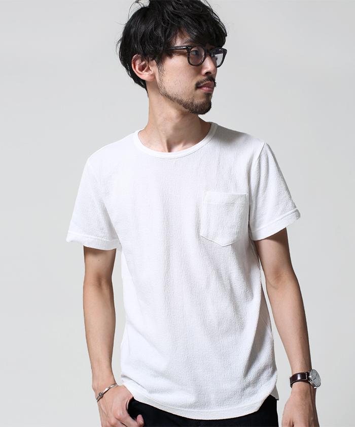 """夏でもクールに決めろ! メンズに人気の""""Tシャツ""""を着こなして、一気に夏の主役に躍り出る。 2番目の画像"""
