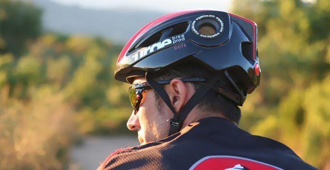 """ロードバイクを安全に乗るためのおしゃれな5つの""""ヘルメット"""":風を切って通勤するのも粋なもの 3番目の画像"""