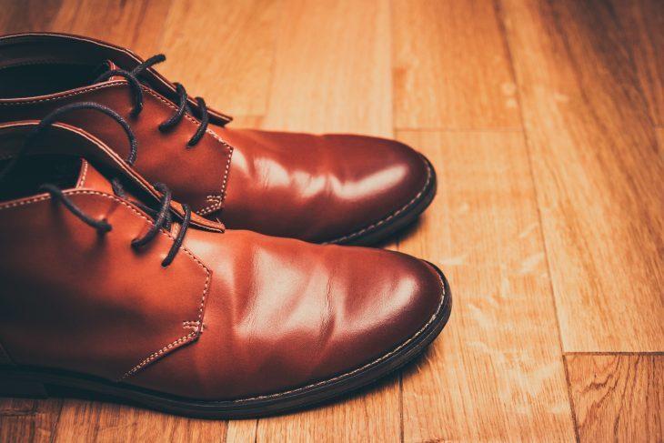 """あなたの""""革靴""""から起こる「スメハラ」:中敷きを交換することから始める「足のニオイ」防止策 1番目の画像"""