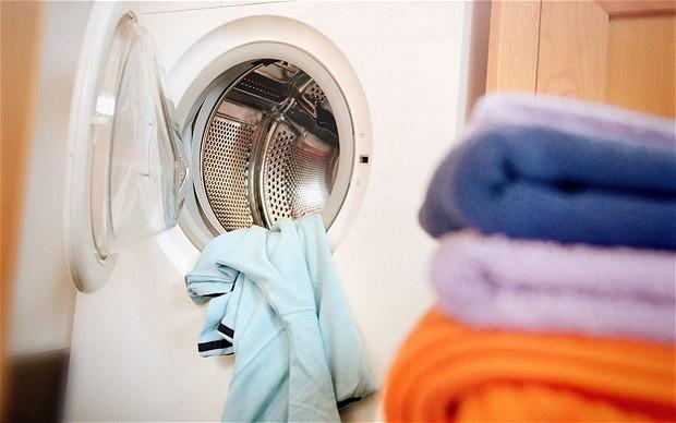 頑固なカビ汚れに! 酵素系漂白剤を使って洗濯機を掃除しよう! 1番目の画像