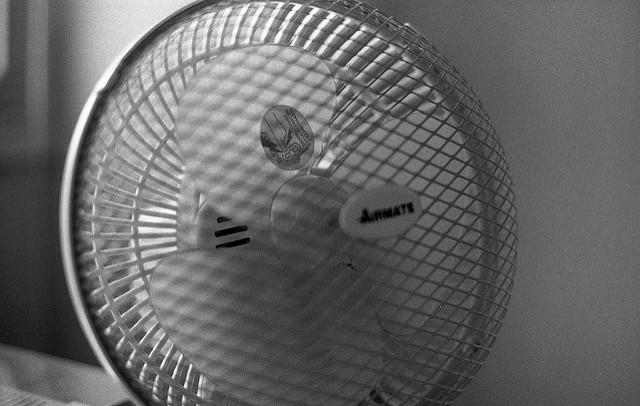 暑い夏を乗り切れ! 扇風機で冷風を出す方法とは? 1番目の画像