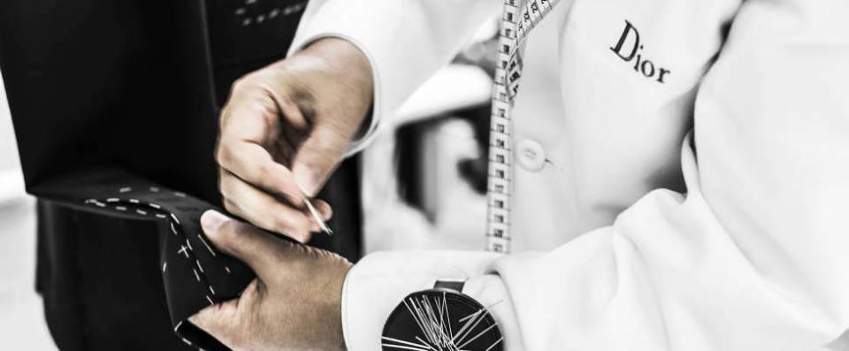 """Dior Homme""のジャケットは、すべて手作業でしかできない職人のメティエ(匠の技)で光る 6番目の画像"