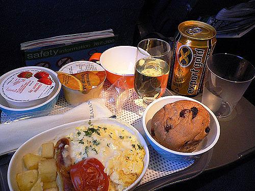 """エコノミークラスでさえ""""空飛ぶレストラン""""!? 世界の航空会社がしのぎを削る人気機内食ランキング 4番目の画像"""