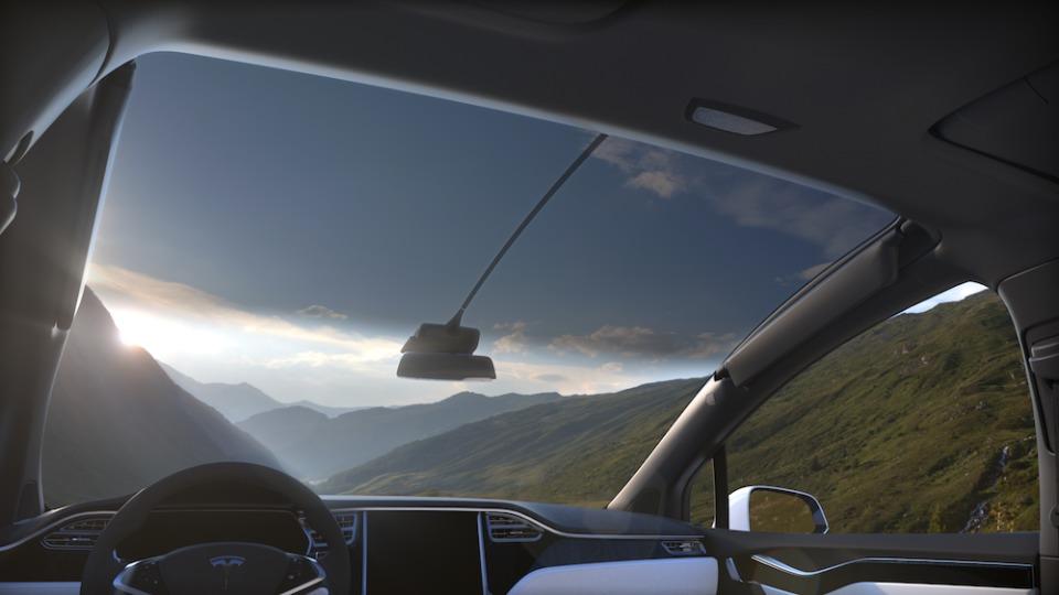 電気自動車のイメージを覆す、一回の充電で最高542km走行可能なテスラ「モデルX」が日本上陸 5番目の画像
