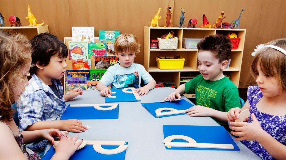 """""""生涯収入は幼児教育で決まる"""" 経済学視点から見直すべき日本教育とは?:『「学力」の経済学』 4番目の画像"""