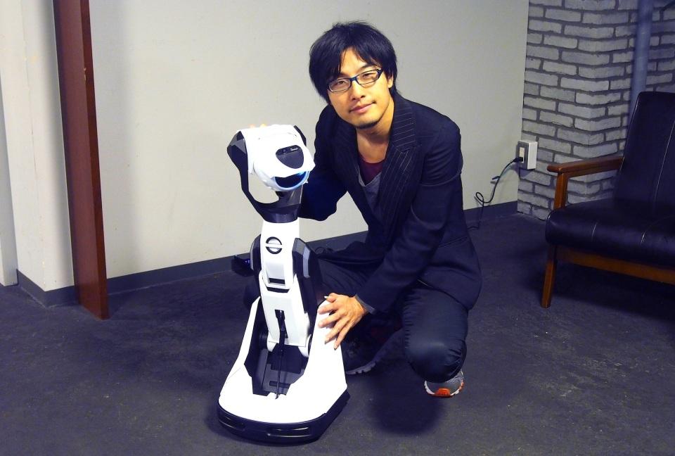 壁や天井がディスプレイに!Cerevoがプロジェクター搭載ロボット「Tipron」を発売 1番目の画像
