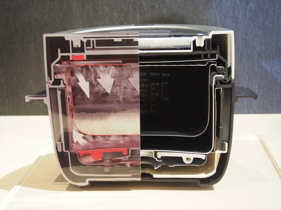 """【実食】バルミューダの炊飯器「BALMUDA The Gohan」は""""蒸気で炊く""""が決め手! 4番目の画像"""