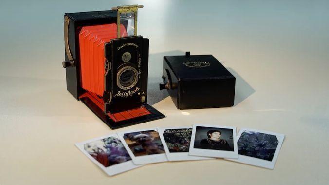 アナログファン垂涎! ダンボールでできたレトロなインスタントカメラ「Jollylook」 2番目の画像