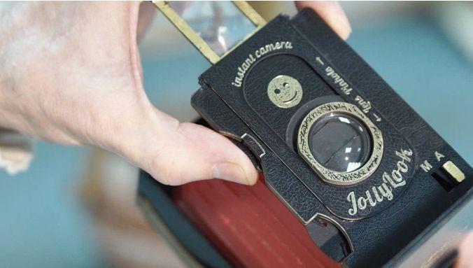 アナログファン垂涎! ダンボールでできたレトロなインスタントカメラ「Jollylook」 5番目の画像
