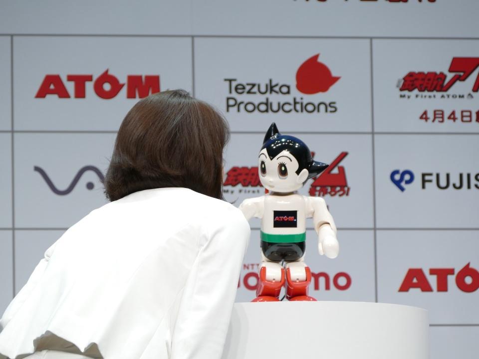 自分の手で鉄腕アトムを組み立てる!コミュニケーションロボット「ATOM」誕生 4番目の画像