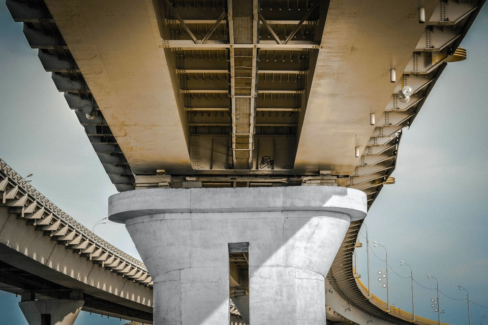 繰り返される悲劇に終止符を:「開かずの踏切」解消に奮励する鉄道会社 4番目の画像