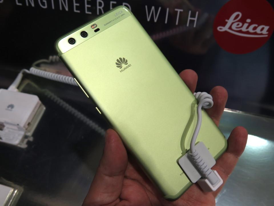 世界最大のモバイル展示会「MWC 2017」で日本発売が期待されるスマートフォンを速攻レビュー! 9番目の画像