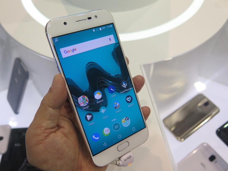 世界最大のモバイル展示会「MWC 2017」で日本発売が期待されるスマートフォンを速攻レビュー! 16番目の画像