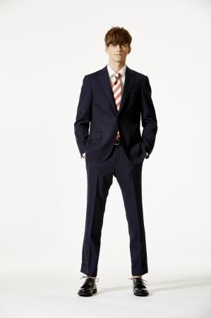 マッキントッシュ フィロソフィーから待望の「トロッタースーツ」が発売:プレゼントキャンペーンも 4番目の画像