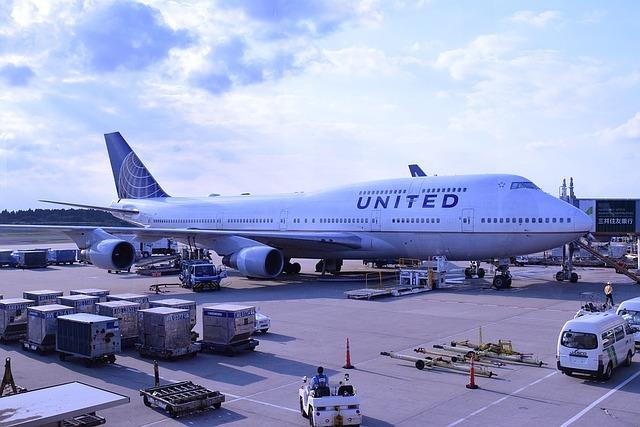 【和訳・書き起こし】ユナイテッド航空、オーバーブッキングでアジア人医師を引きずり降ろす 1番目の画像