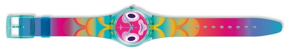 オフ日の腕元に「swatch」新作モデルで遊び心をプラス。ポップな腕時計でこなれたオトコに 5番目の画像
