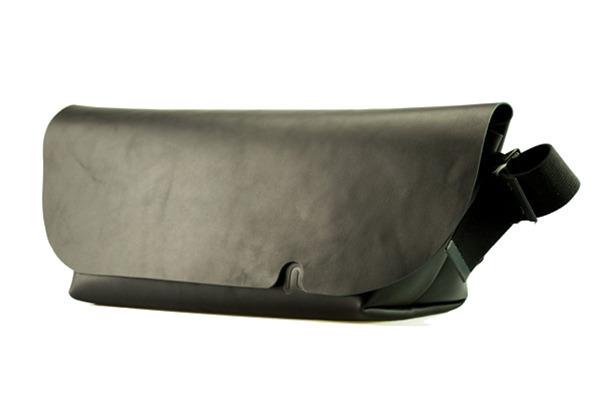 ジャパンメイドの品質とデザイン。ビジネススタイルにも馴染むUni&co.のメッセンジャーバッグ 8番目の画像