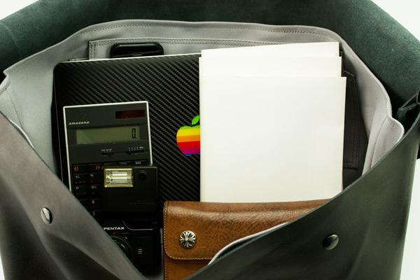 ジャパンメイドの品質とデザイン。ビジネススタイルにも馴染むUni&co.のメッセンジャーバッグ 10番目の画像