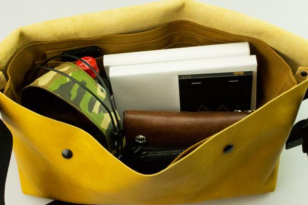 ジャパンメイドの品質とデザイン。ビジネススタイルにも馴染むUni&co.のメッセンジャーバッグ 13番目の画像