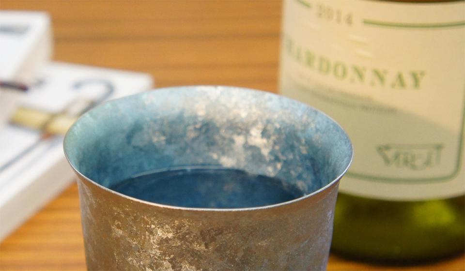 美しい青に心奪われる。夏は冷たく、冬は温かさが続く中宮虎熊店「純チタンタンブラー」 4番目の画像