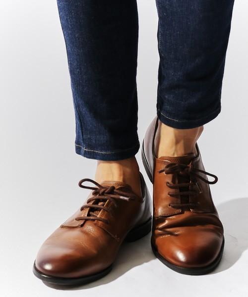 """""""革靴の種類""""をシーン別に選ぶとき。ビジネスマンの足元を輝かせる、6つのおすすめの革靴 7番目の画像"""