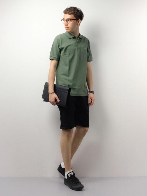 大人メンズの大定番「LACOSTE」のポロシャツ。女性の好感度◎なコーディネート集 8番目の画像