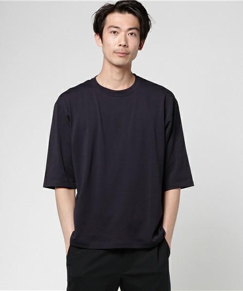 30代から着こなしたい無地Tシャツ、選ぶポイントは「カタチ」にあった 3番目の画像