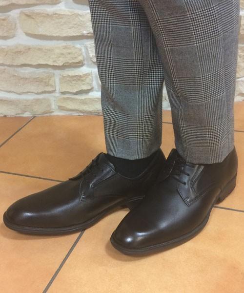 知ってる人は知っている!アシックスの革靴はスニーカーと同レベルで履き心地抜群な名品だった 5番目の画像