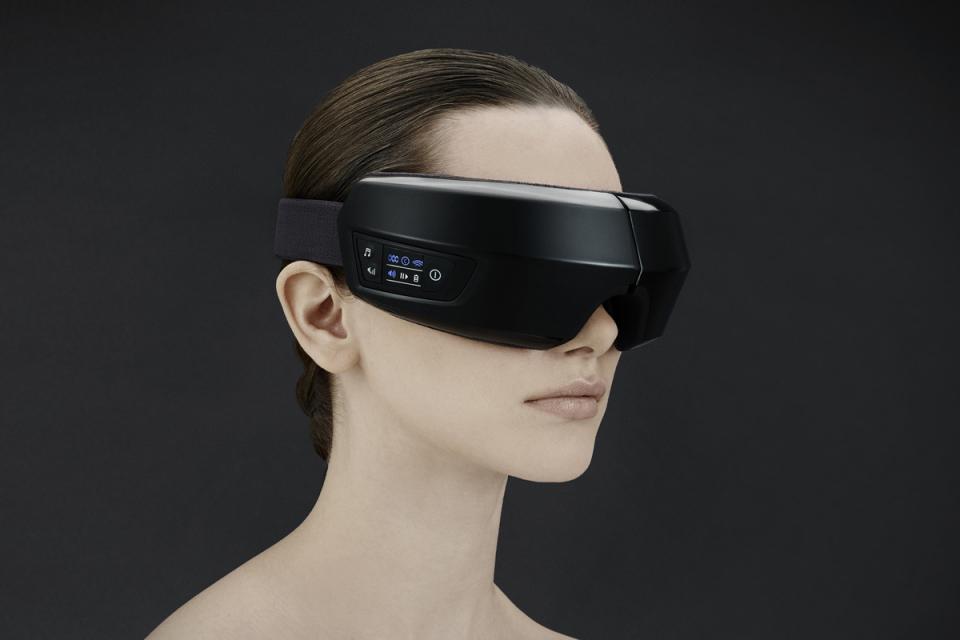 眼精疲労を改善!目元専用マッサージ機「3D EYE MAGIC」で就寝前に至福のひと時を 2番目の画像