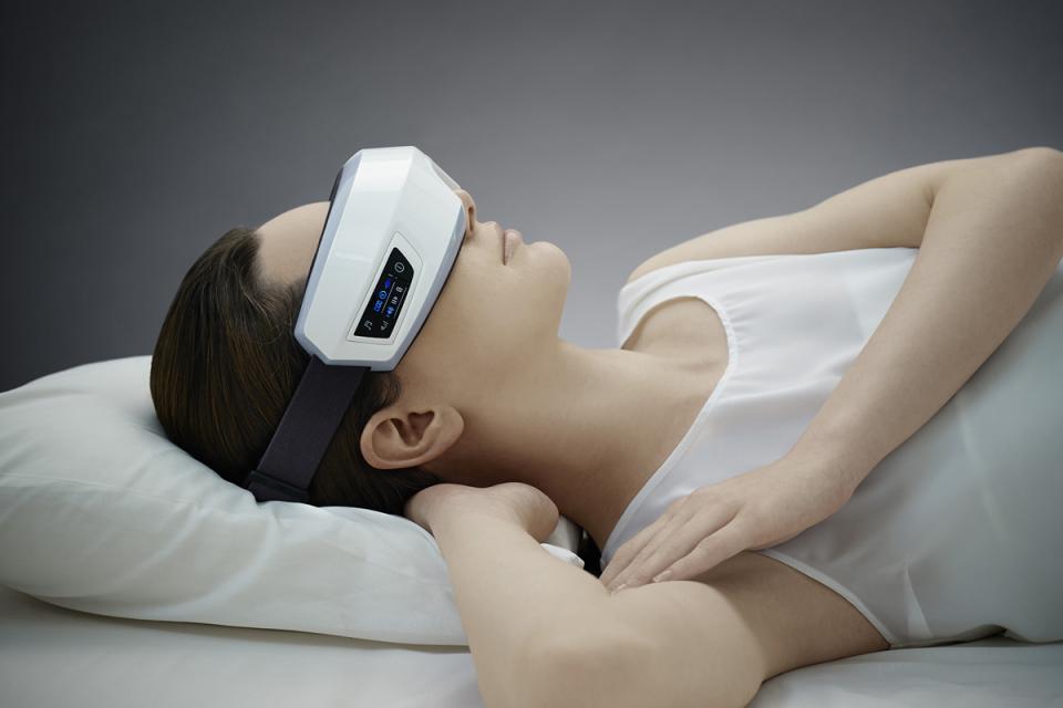 眼精疲労を改善!目元専用マッサージ機「3D EYE MAGIC」で就寝前に至福のひと時を 6番目の画像