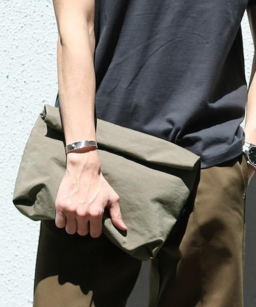 オトナの新常識アイテム「バッグインバッグ」を都会的に着こなす 1番目の画像