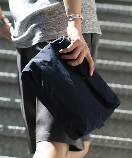 オトナの新常識アイテム「バッグインバッグ」を都会的に着こなす 3番目の画像