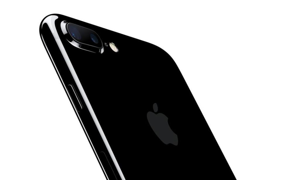 西田宗千佳のトレンドノート:iPhoneは電話会社を「無理矢理変えた」 2番目の画像