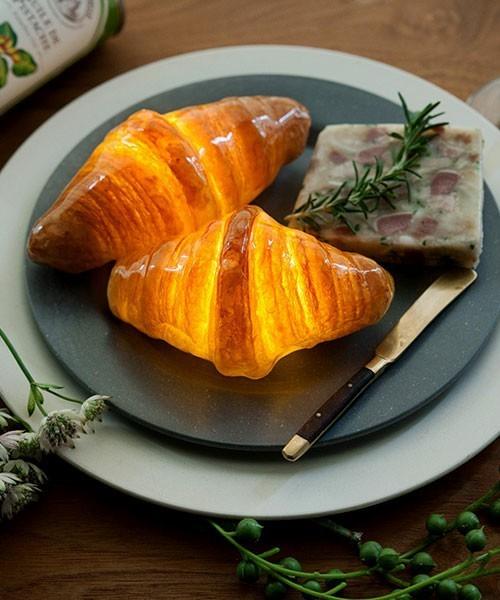 楽しくて美しいインテリアライト、それは本物のパンを使った「パンプシェード」でした。 5番目の画像