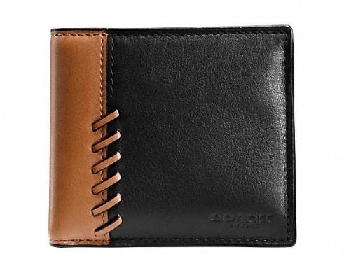丈夫でハイセンス。永く愛せるCOACHの二つ折り財布 10番目の画像