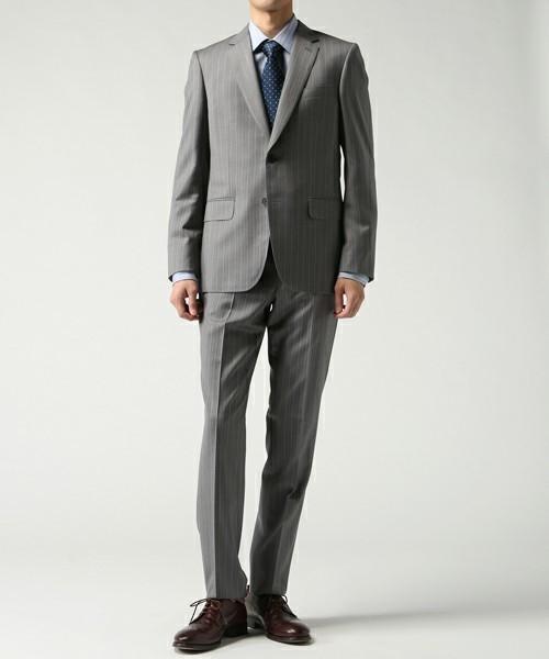 グレースーツと3種の神器「シャツ・ネクタイ・靴」の着こなし方:ワンランク上のおしゃれなスーツ姿へ 14番目の画像
