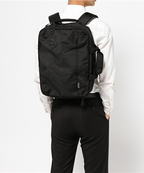 リュックで快適な通勤スタイル! スーツに似合う上質な3WAYバッグ 6番目の画像