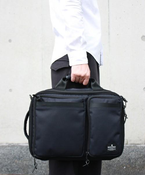 リュックで快適な通勤スタイル! スーツに似合う上質な3WAYバッグ 2番目の画像