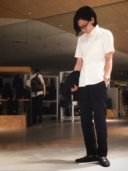 秋までに揃えておきたいリアルに使える定番ファッションアイテム 3番目の画像