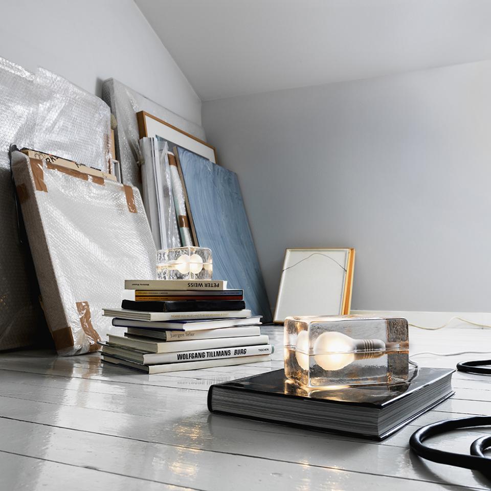 1日の疲れを温かな光で癒してくれる間接照明「BLOCK LAMP」 3番目の画像