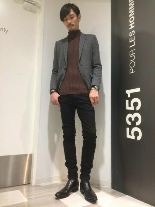 凛とした立ち姿を叶える「サイドゴアブーツ」おすすめブランド&着こなし 18番目の画像