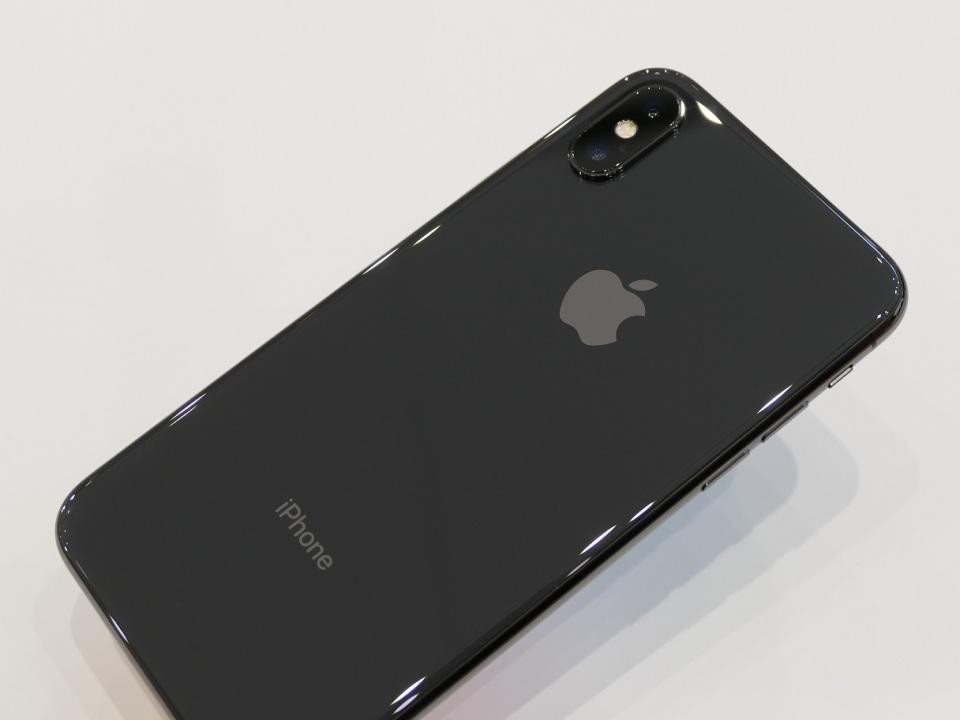 【現地写真】アップル、5.8型有機EL搭載の10周年記念モデル「iPhone X」を発表! 3番目の画像