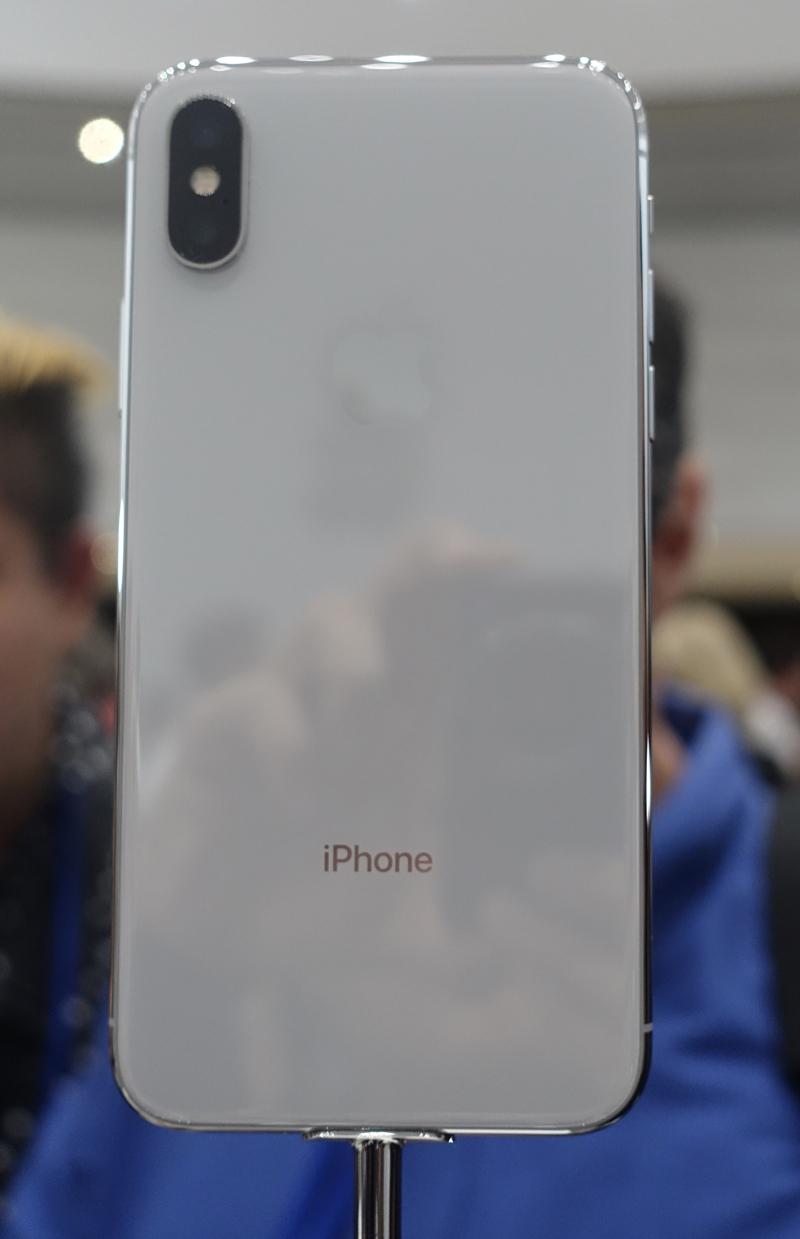 西田宗千佳のトレンドノート:アップルの今は「X」より「8」「Watch」から見えてくる 4番目の画像