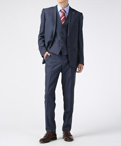 【完全版】王道「ネイビースーツ」の着こなし術:ネイビースーツの基礎からワンランク上のおしゃれまで 18番目の画像